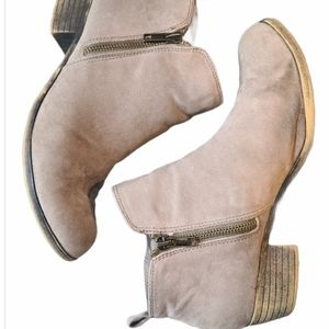 Dunes distressed tan ankle booties heeled boots